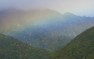 0125モッチョム岳と虹2089.jpg