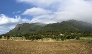 0125モッチョム岳と虹_0013.jpg