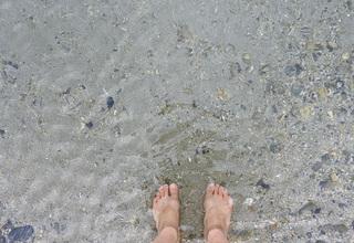 0323裸足で海4086.jpg