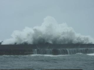 0821台風の波03.jpg