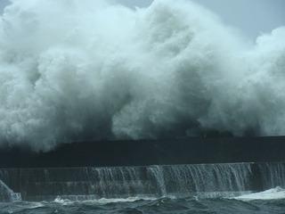 0821台風の波04.jpg