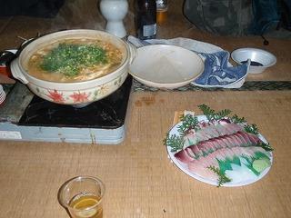 キムチ鍋とさしみ.jpg